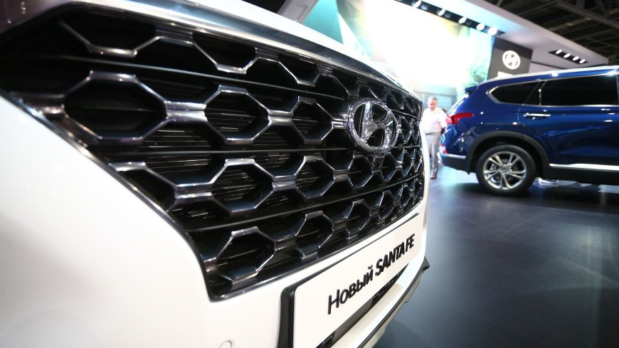 Hyundai отзывает в России более 18 тыс. машин Santa Fe из-за проводки