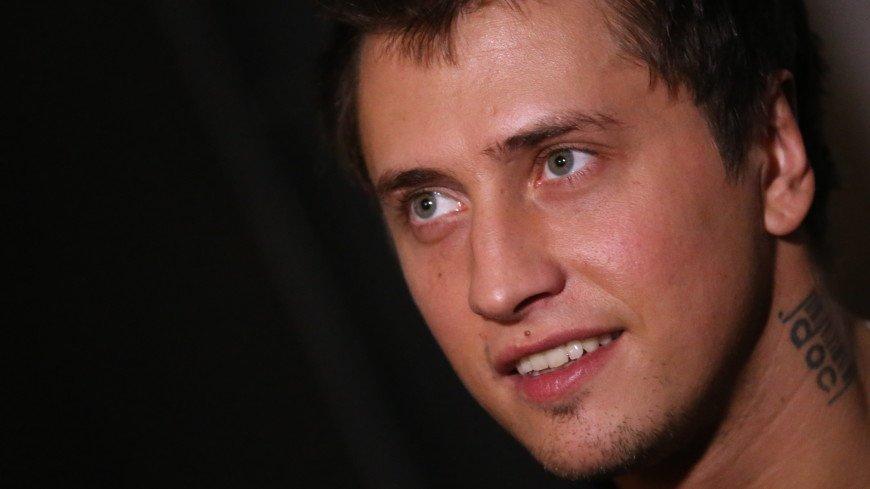 Я восстанавливаюсь: актер Павел Прилучный рассказал о своем состоянии после травмы