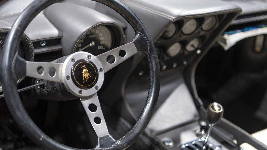 Lamborghini представила трековый 830-сильный гиперкар