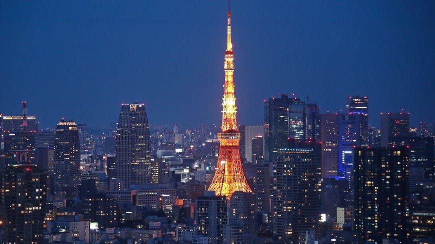 Яркий метеор осветил небо над Токио (ВИДЕО)