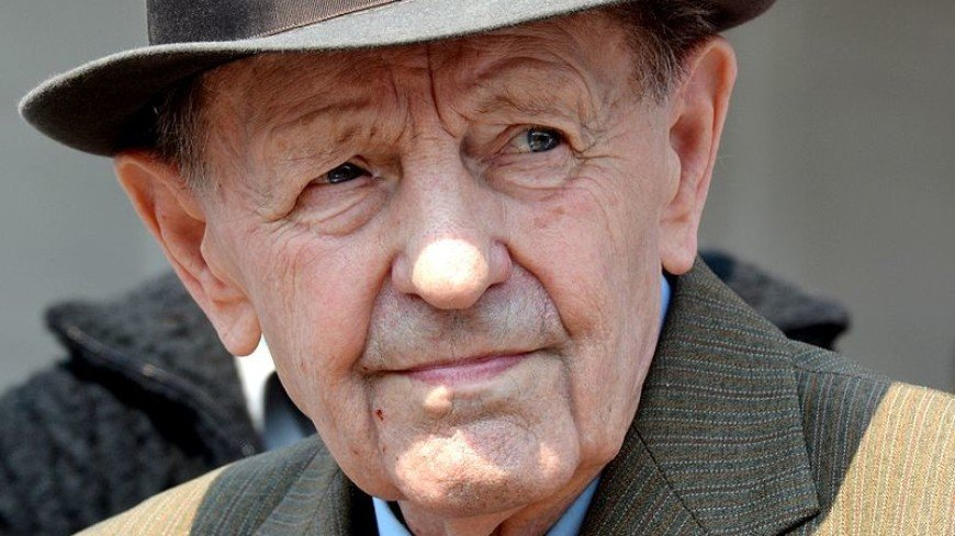 Скончался последний генсек Чехословакии Милош Якеш