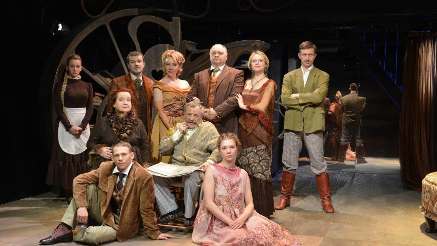 Человеческая комедия Московского Фауста: спектакль «Два часа в благородном семействе, или о чем скрипела дверь...»