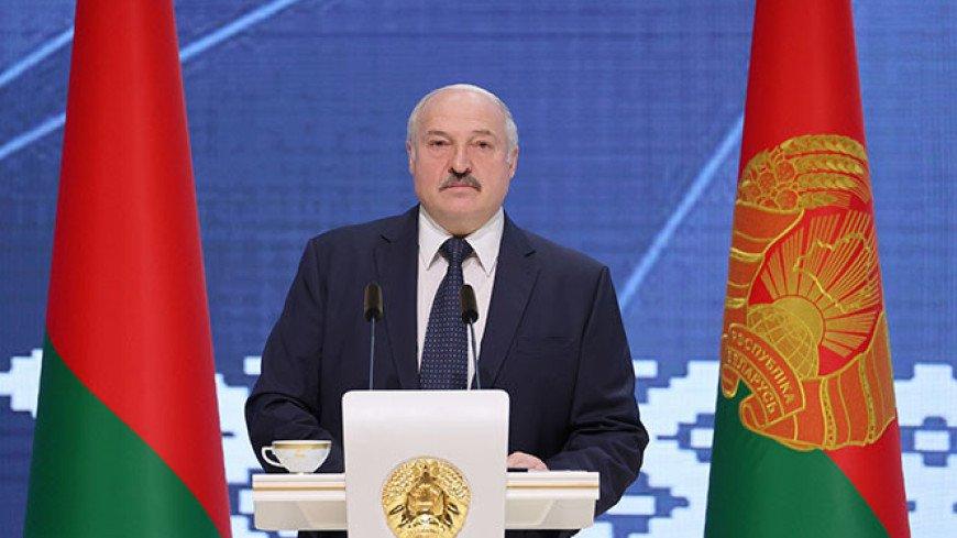Лукашенко: Небогато живут люди, но мы знаем, как жить, и живем на своей земле