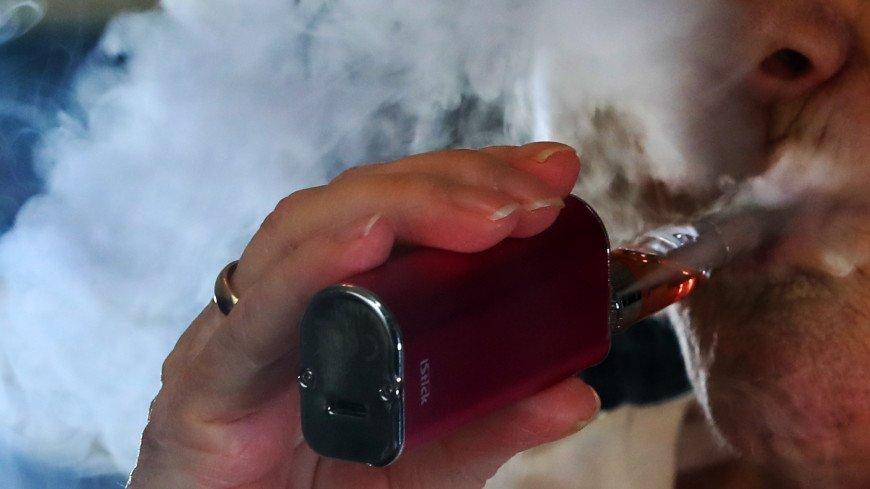 Курение вейпа повышает риск развития рака груди