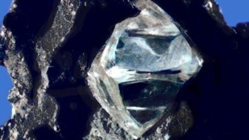 В Японии разработали материал прочнее алмаза