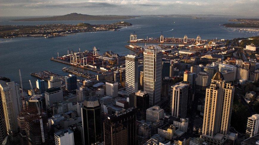 Премьер Новой Зеландии уволила министра за интрижку на работе