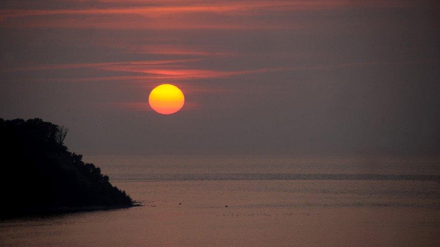 На берегу моря,море, океан, пляж, лето, отпуск, закат, солнце, ,море, океан, пляж, лето, отпуск, закат, солнце,
