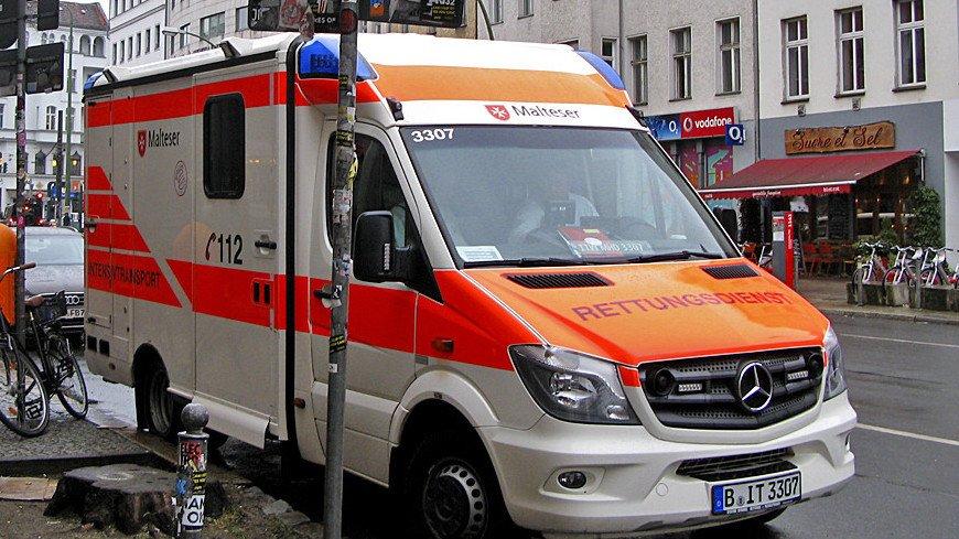 В Германии небольшой самолет врезался в жилой дом: есть погибшие и пострадавшие