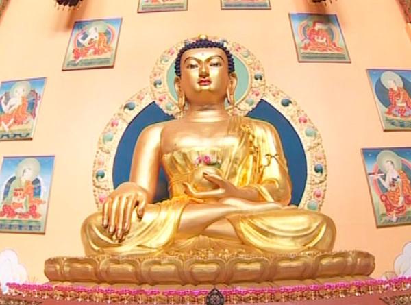 Российские буддисты отмечают день рождения Будды