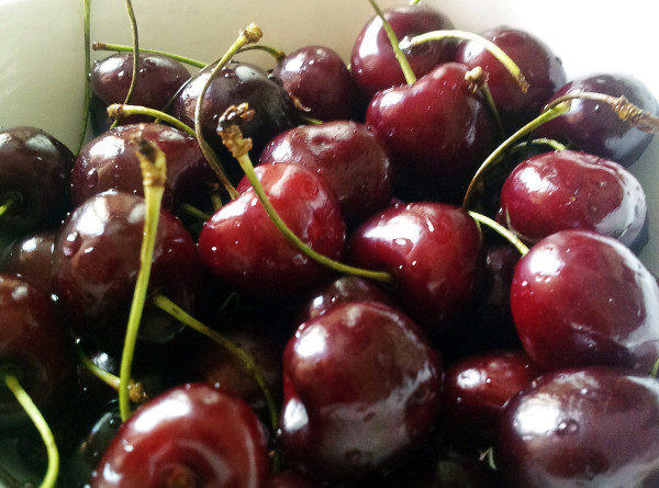Сладкий урожай: в центральной части Азербайджана собирают черешню