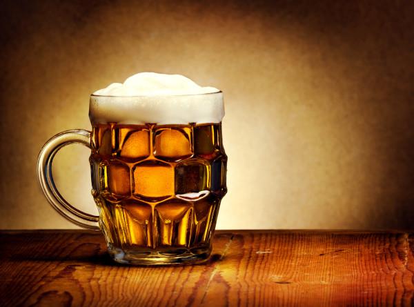 Пиво в школьном рационе и девочки-пивовары: 10 удивительных фактов о пенном