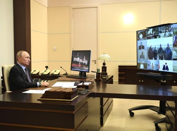 Лишь бы выжить: о чем защитники бездомных животных говорили с Путиным
