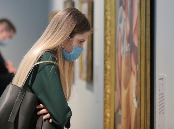 Эрмитаж расскажет об интерьерах Зимнего дворца и живописи Кватроченто