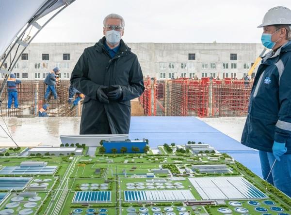 Мэр Москвы осмотрел очистные сооружения в Люберцах