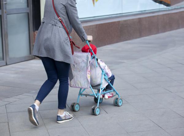 Куда пропадают дети и почему младенцев нельзя оставлять в колясках?