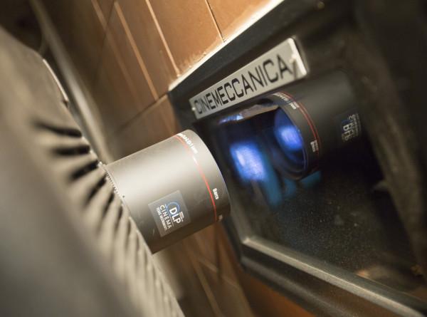 В Подмосковье скоро откроются бесплатные автокинотеатры