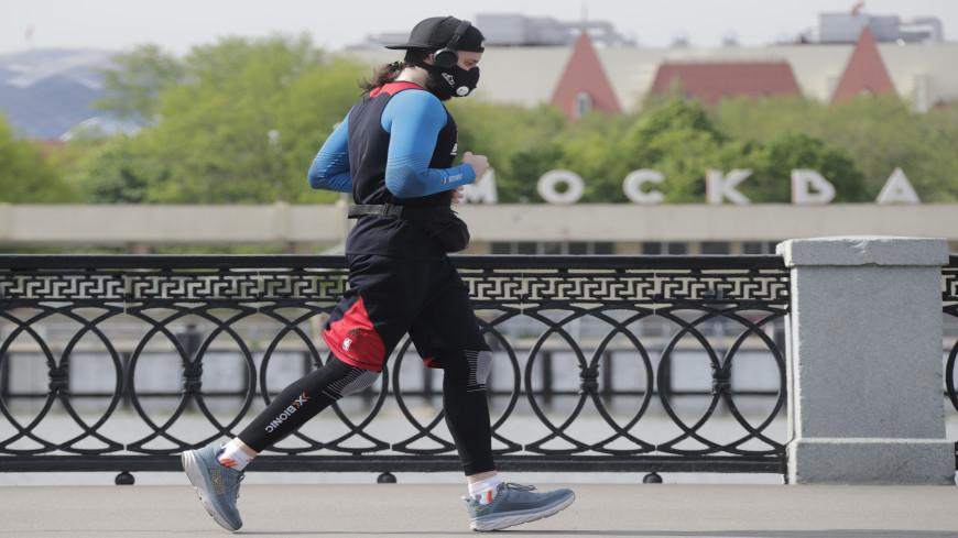 Эксперты высказались против занятий бегом в маске