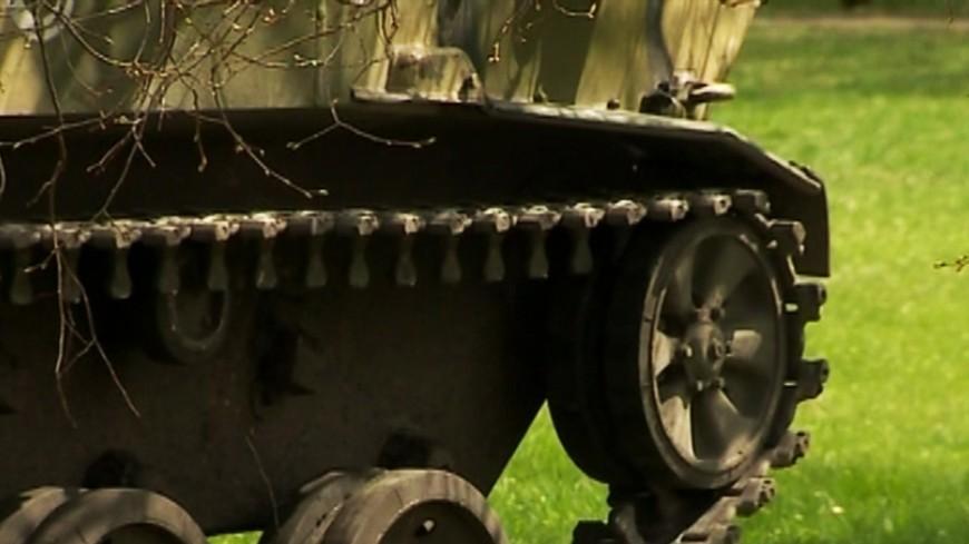 "Скриншот: ""«МИР 24»"":http://mir24.tv/, бтр, кризис на украине, танк"
