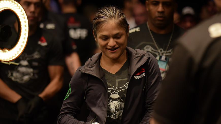 В главном бое турнира UFC в Лас-Вегасе Кальвильо одолела Ай