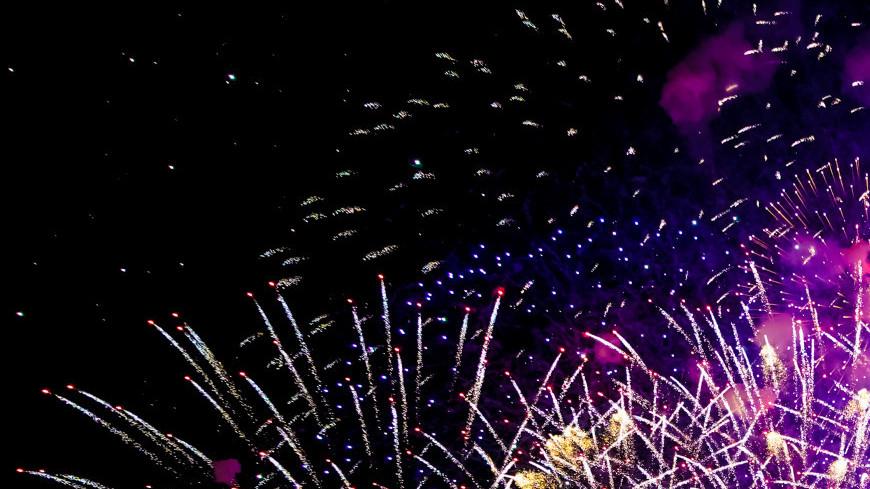 круг света, светодизайн, световая инсталляция, мультимедийное шоу, видеомэппинг, фестиваль света, арт, искусство,  виджеинг, салют, фейерверк, праздник
