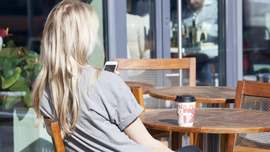 """Фото: Мария Андросова (МТРК «Мир») """"«Мир 24»"""":http://mir24.tv/, люди, кофе, кафе, девушка"""
