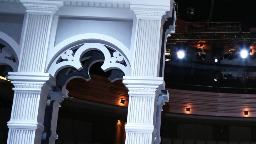 Сцена Московского театрального центра «Вишневый сад» ,Вишневый сад, сцена, театр, декорации, спектакль, ,Вишневый сад, сцена, театр, декорации, спектакль,