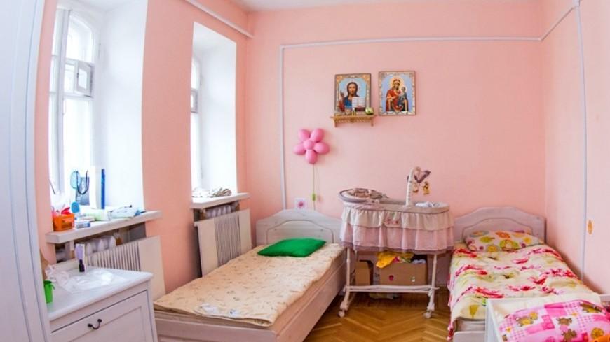 """Фото: Максим Кулачков (МТРК «Мир») """"«Мир 24»"""":http://mir24.tv/, детская, дом для мамы, комната, кровать"""