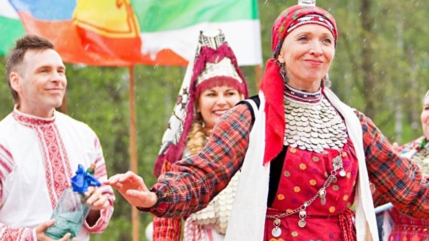 """Фото: Максим Кулачков (МТРК «Мир») """"«Мир 24»"""":http://mir24.tv/, свадьба, удмурты, удмуртия, удмуртская свадьба"""