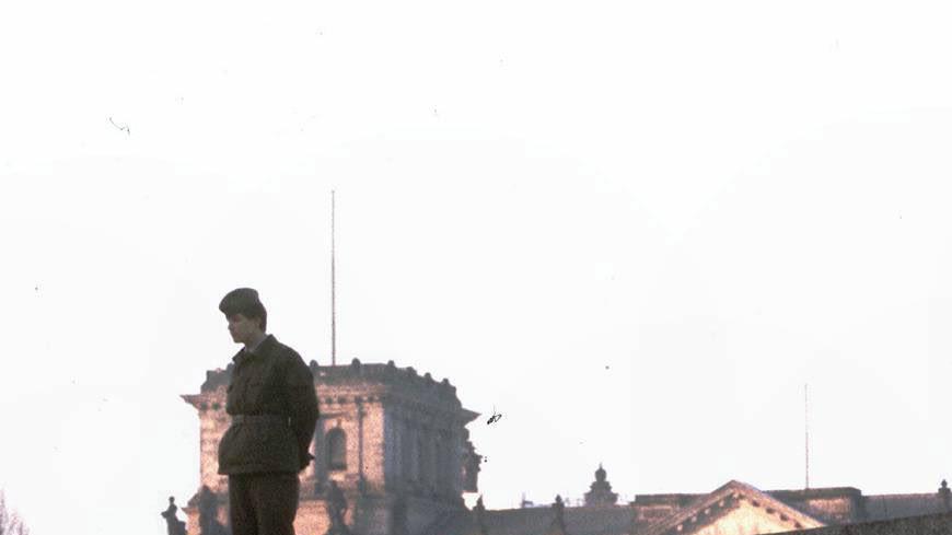 Падение символа: 30 лет назад началось разрушение Берлинской стены