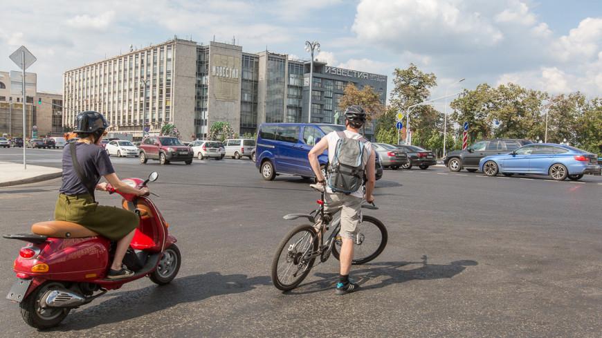 Тверская улица после реконструкции. ,Тверская, лето, город, Москва, велосипед, велосипедист, ,Тверская, лето, город, Москва, велосипед, велосипедист,