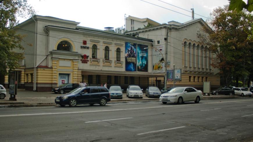 Сотни молдаван вновь отправились на заработки за границу