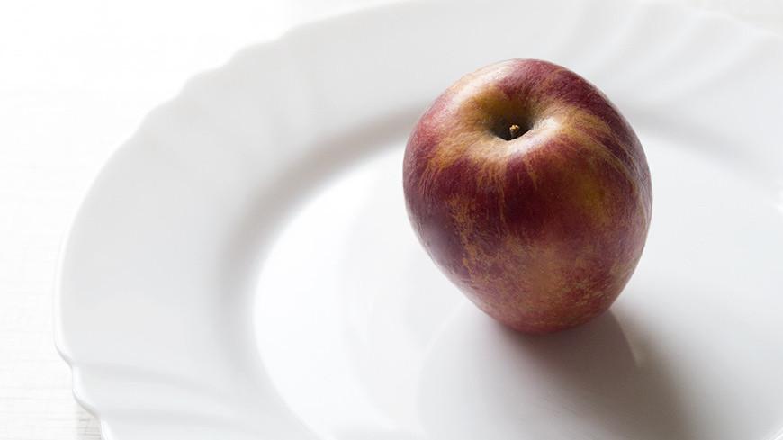 "Фото: Татьяна Константинова, ""«Мир24»"":http://mir24.tv/, продукты, еда, яблоко, тарелка, диета, кризис, голод"