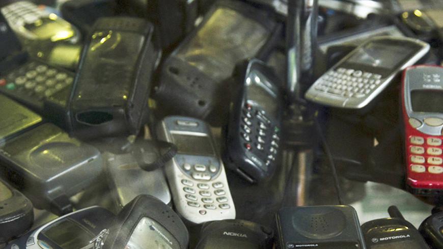 Стало известно, когда в России окончательно исчезнут кнопочные телефоны