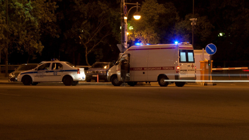 В Калмыкии неизвестный зарезал женщину и троих детей в частном доме