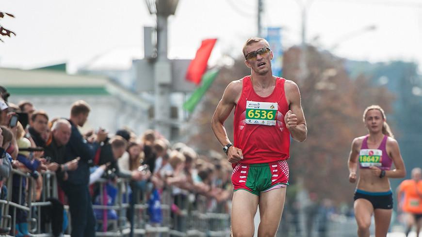 """Фото: Анна Тимошенко (МТРК «Мир») """"«Мир 24»"""":http://mir24.tv/, бегуны, полумарафон, бег, спорт, спортсмены, забег"""
