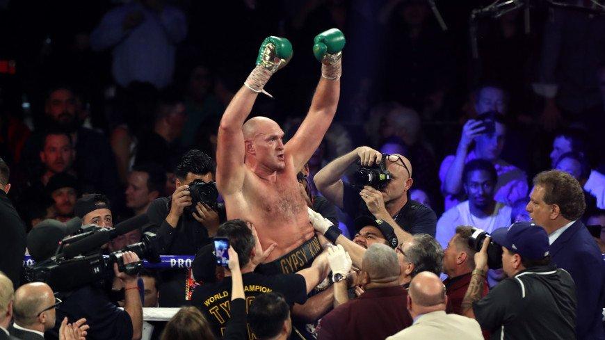 Чемпион мира по боксу Фьюри признался, что страдает от расизма