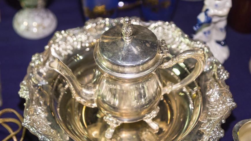 "Фото: Максим Кулачков, ""«Мир 24»"":http://mir24.tv/, чайный сервиз, серебро, посуда"