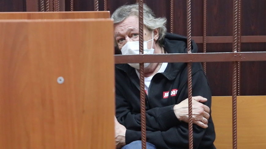 Суд отправил Ефремова под домашний арест до 9  августа