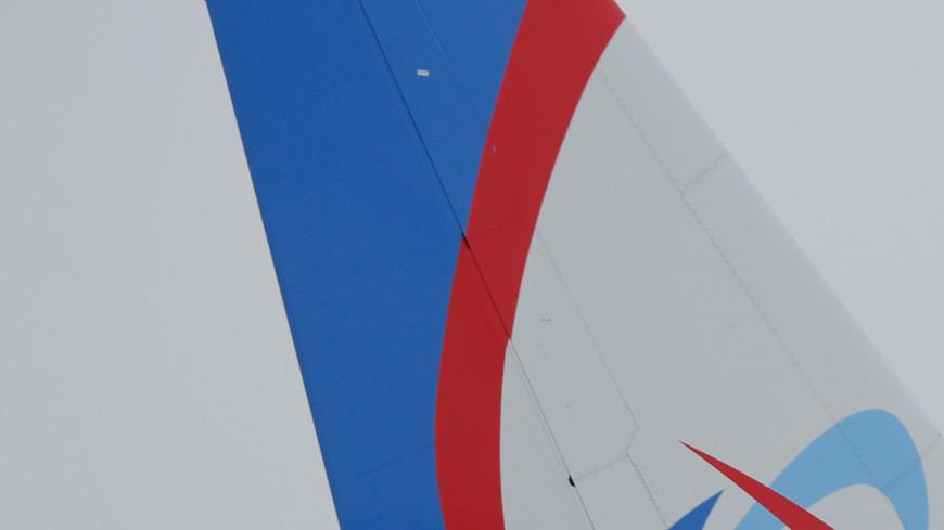 аэропорт, домодедово, самолет, взлетная полоса, техника аэропорта, уральские авиалинии