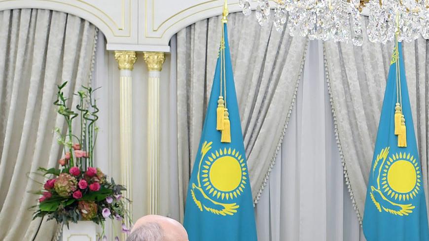 Назарбаев обсудил с Фрадковым взаимную поддержку на полях форума Astana Club