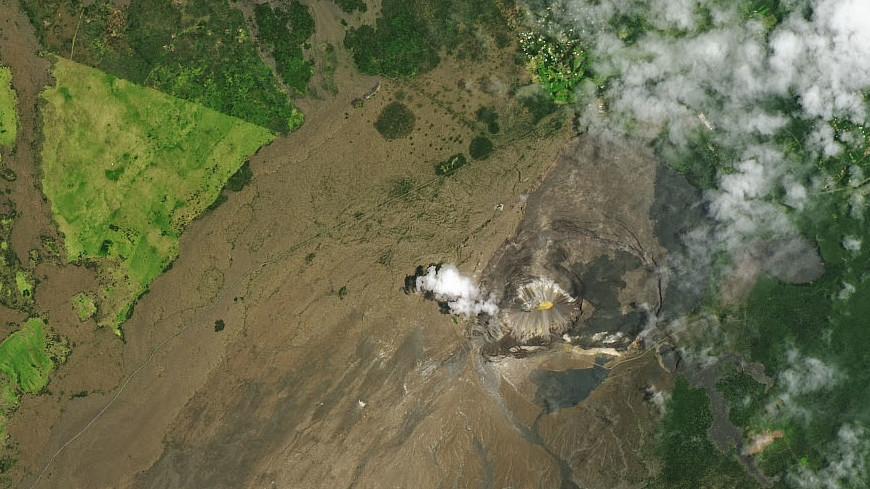 На вершине вулкана Килауэа возникло озеро