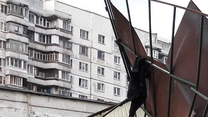 Летели остановки и крыши: над Центральной Россией пронесся мощный ураган