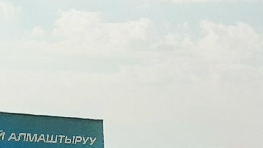 Атамбаева задержали после штурма резиденции, но его сторонники не сдаются