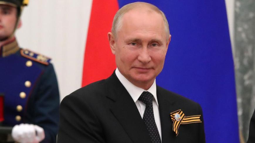 Путин заявил, что в его окружении не может быть тех, кто не верит в Россию