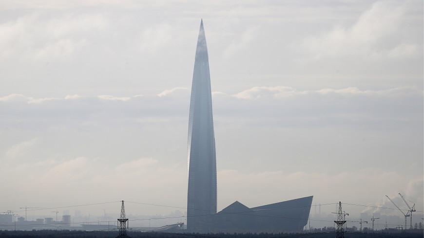 В Санкт-Петербурге молния попала в небоскреб Лахта-центр
