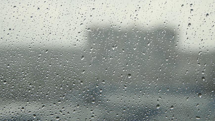 Затяжной дождь накрыл Владивосток