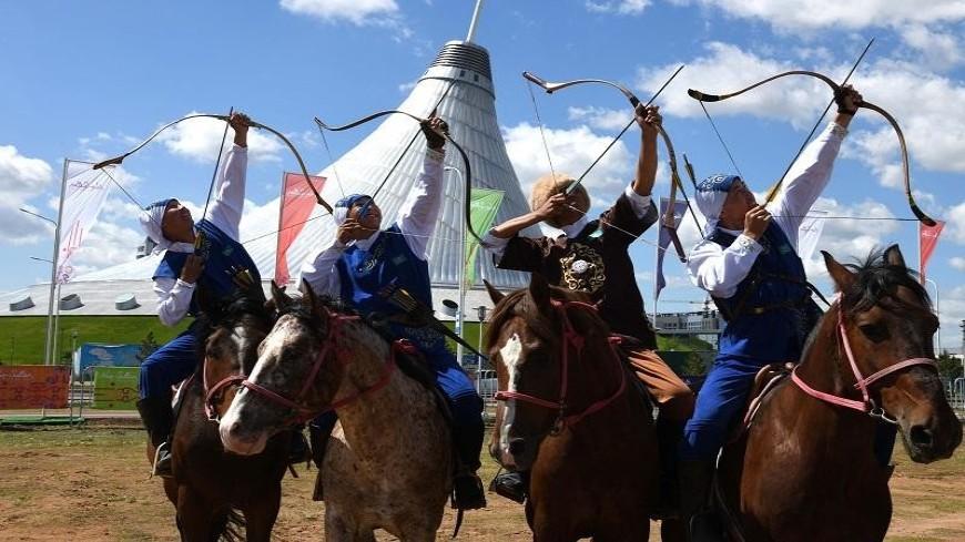 В Казахстане набирают популярность состязания по стрельбе из лука на коне