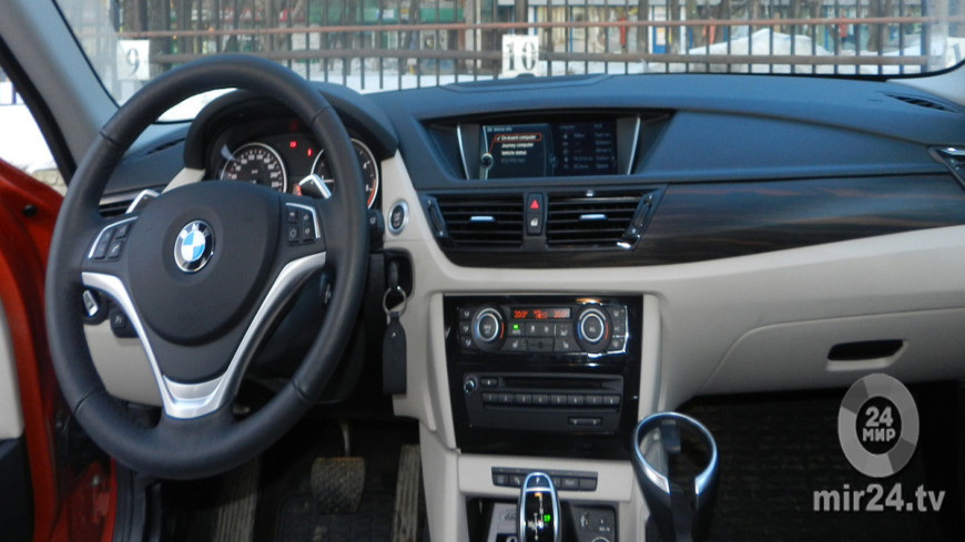 BMW X1, джип, bmw, x1, машина, почтовая машина, иль, бмв, кроссовер