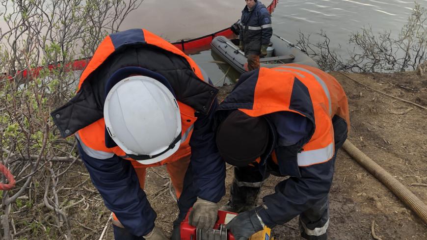 Росприроднадзор: В Норильске будут собирать 1,5 тысяч куб. м. нефтепродуктов в день