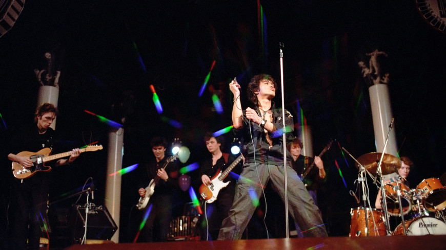 30 лет назад в «Лужниках» Виктор Цой отыграл последний концерт